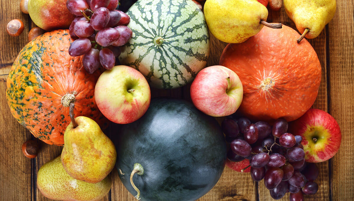 What should you eat in the autumn?  Choose seasonal fruit and vegetables!