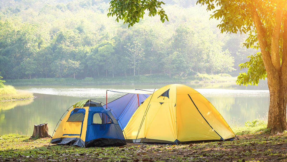 Wie bereitet man sich  auf einen Campingausflug vor?
