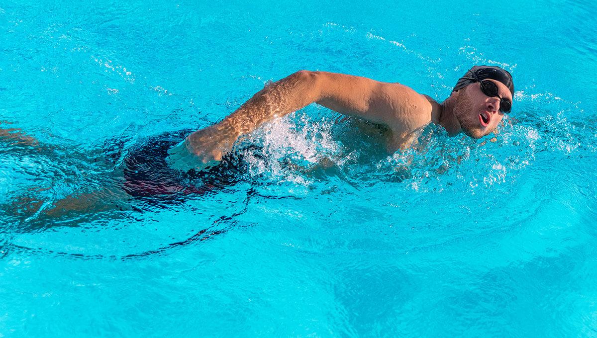 Jak rozpocząć przygodę  z pływaniem?