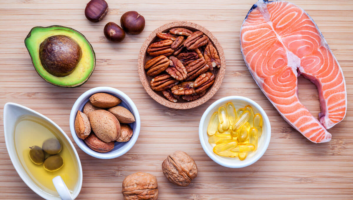 What is the daily dose of  omega-3 fatty acids supplementation?
