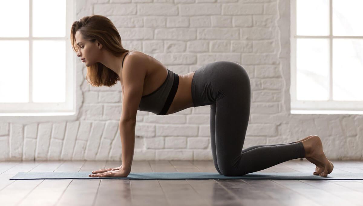 Proste ćwiczenia rozciągające na kręgosłup