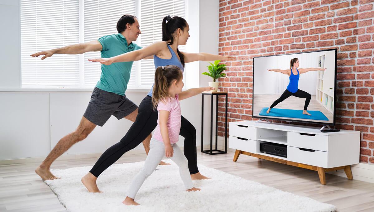 Wspólny trening  – ćwiczenia w domu dla całej rodziny