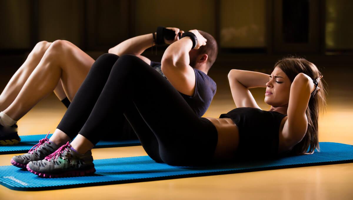 Tomar BCAA y entrenar abdominales  - ¿es una buena combinación?