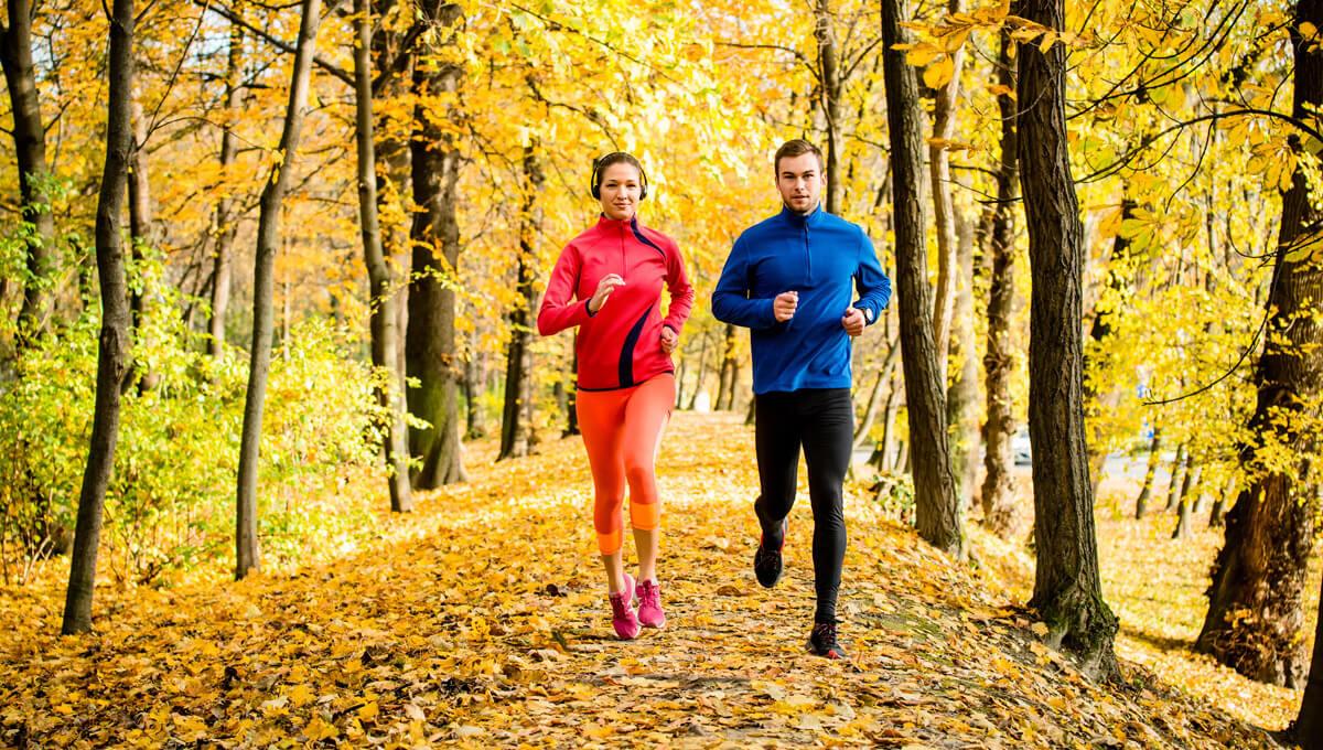 Bieganie jesienią – jak się ubrać?