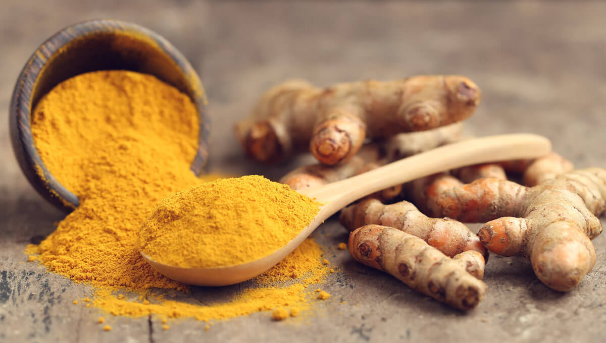 What is curcumin  and what are its properties in the context of sports supplementation?