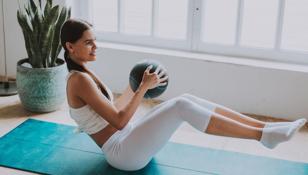 L'entraînement à domicile avec le médecine ball.  En quoi consiste ce phénomène ?