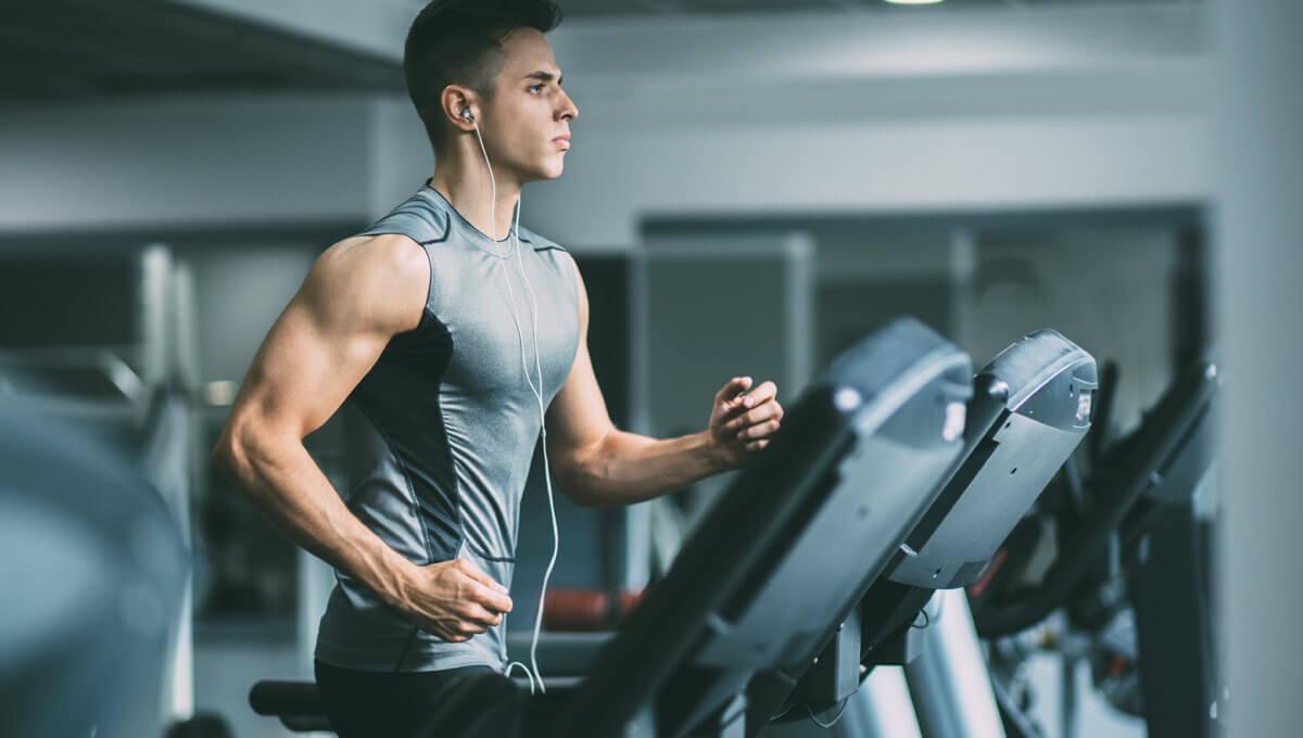 Probiere die 5 besten Cardio-Übungen  im Fitnessstudio aus!